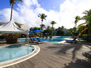Villa Valerie: pool, beach, aircon, sleeps 4. - Cap Estate, Gros Islet vacation rentals