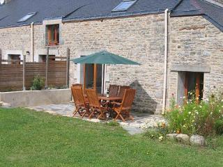 LA LUCINE - Petits Papillons Rural Cottages - Josselin vacation rentals
