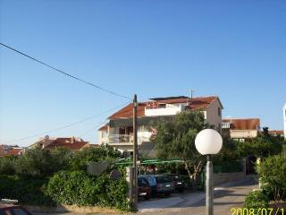 Apartmani Petra Brodarica - Brodarica vacation rentals
