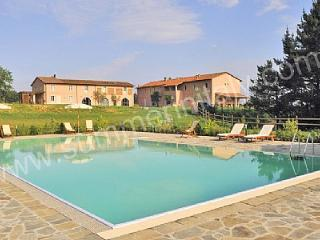 Gorgeous 1 bedroom House in Pontedera with Deck - Pontedera vacation rentals