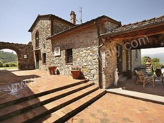 Charming House in Monsummano Terme with Deck, sleeps 10 - Monsummano Terme vacation rentals