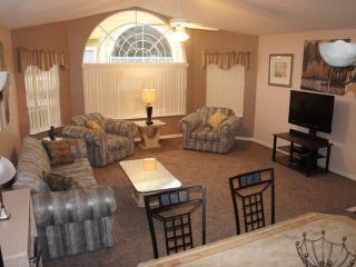 Caitlins Disney Condo - Spacious and convenient - Kissimmee vacation rentals