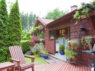 Bright 1 bedroom House in Langley - Langley vacation rentals