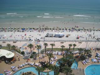 1BR, OC Front, Free WIFI Sleeps 6 - Daytona Beach vacation rentals