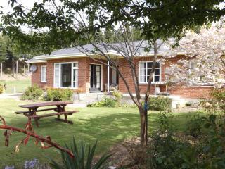 """Karetu Downs"" Farm House Accommodation Stunning Waipara Gorge - Hawarden vacation rentals"
