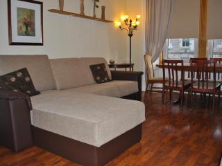 3 BEDROOM APARTMENT 1ST FLOOR - Edinburgh vacation rentals