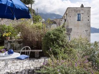A gorgeous old house that looks over the sea near Amalfi - Minori vacation rentals