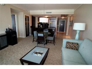 Fontainebleau Sorrento 1 Bdrm Ocean View sleeps 4 - Miami Beach vacation rentals