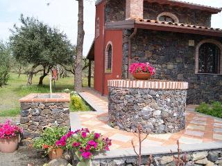 La Casa di Filippo - Linguaglossa vacation rentals