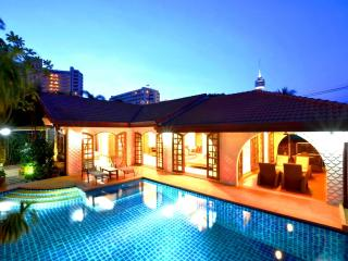 Best location villa offer direct access to beach - Pattaya vacation rentals