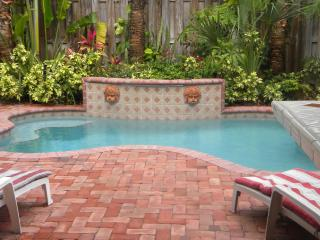 Luxury Family Town-Home,walk distance to the beach - Lauderdale by the Sea vacation rentals