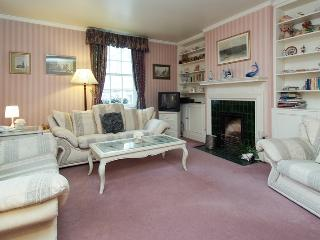 Covent Garden Bedford Street 2 bedroom/2 bath Flat - London vacation rentals