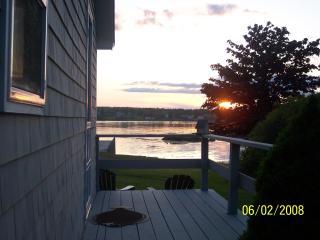 Maine Ocean Front 2 Bedroom Cottage - Tenants Harbor vacation rentals