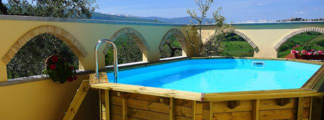 Secluded courtyard with pool - 1 Bed Villa Apt Near Beach & Skiing With Pool - Bucchianico - rentals