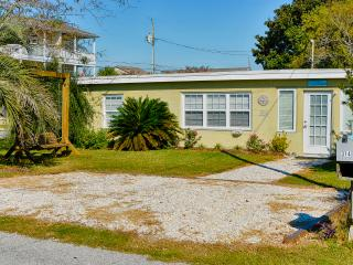 Flip Flop Paradise - in the Heart of Kure Beach !! - Kure Beach vacation rentals