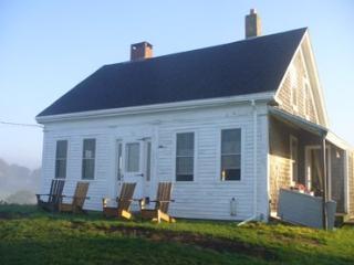 3 bedroom House with Parking in Penobscot - Penobscot vacation rentals