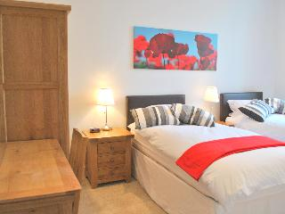 2014 Excellence Award  - Puffin's Lookout & Palace - North Berwick vacation rentals