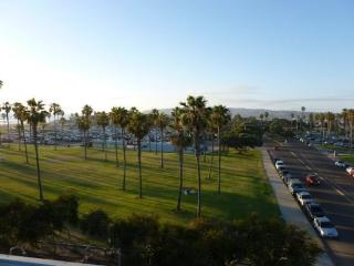 Darrell's South Mission Beach Penthouse Vacation Condo With A/C - Pacific Beach vacation rentals