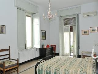 Bed and Breakfast La Concordia - Family Bedroom Downtown Naples - Naples vacation rentals