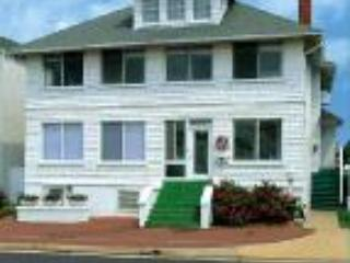 The White House - Mrs. Johnsons - CUTTY SARK HISTORIC BEACH COTTAGE  Mrs. Johnson's - Virginia Beach - rentals