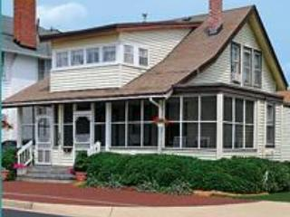 CUTTY SARK HISTORIC BEACH COTTAGES TRIPLEX 1 - Virginia Beach vacation rentals