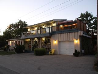 Lovely 2 bedroom Goderich Condo with Deck - Goderich vacation rentals