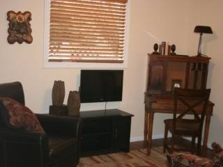 Cozy House with DVD Player and Wireless Internet - Cody vacation rentals