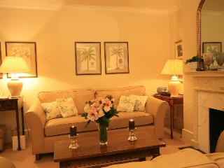 South Kensington 2 Bedroom/2 Bathroom Garden Flat - London vacation rentals