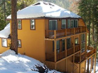 Nice House with Deck and A/C - Yosemite National Park vacation rentals