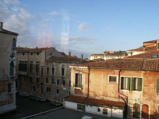 Spotless 3 Bedroom Apartment in Venice with views - Venice vacation rentals