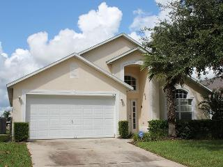 Vacation home with private pool, gated Westridge community, 4 TVs, free Wi-Fi - Davenport vacation rentals