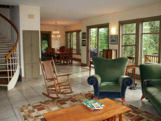 Villa on Cobbossee Lake, private beach, lake view, - Manchester vacation rentals