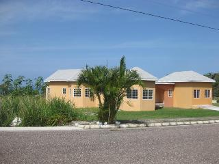 3 Bedroom Villa Across from Beach in Bluefields. - Bluefields vacation rentals