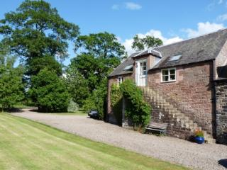 GRANARY COTTAGE, Minto, Scottish Borders - Minto vacation rentals