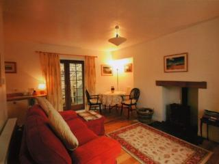 GALABANK COTTAGE, Galashiels, Scottish Borders - Galashiels vacation rentals