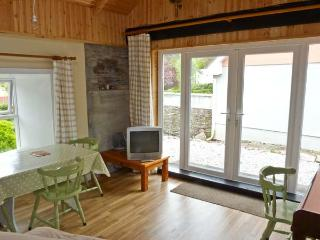 THE DISPENSARY, detached bungalow, en-suite bedroom, pet friendly, in Killeagh, Ref 16695 - Killeagh vacation rentals