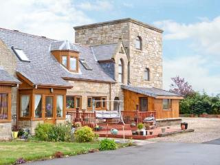 THE STEADING TOWER, a tower shaped cottage, with two bedrooms, in village of Kinloss, Ref 15871 - Moray vacation rentals