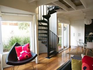 The Loft - delightful 2 bedroom house on city edge - Melbourne vacation rentals