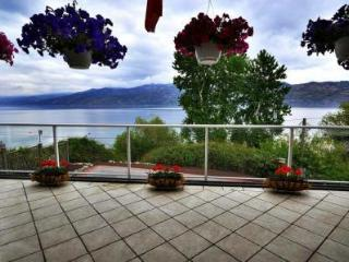 Beach Ave Castle, Waterfront Luxury - Peachland vacation rentals