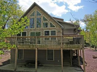 Four Seasons Lodge - Lake Harmony vacation rentals