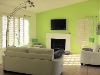 Las Vegas house 1.7 miles from The Strip sleeps 6- - Las Vegas vacation rentals