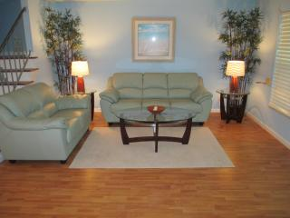 2/3 & fl room sleep 6 CENTRAL BEACH 500' to beach - Vero Beach vacation rentals
