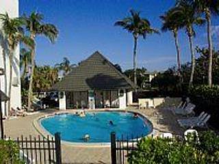 Nice Condo with Dishwasher and Toaster - Marco Island vacation rentals