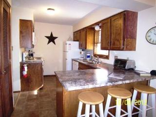Bright 2 bedroom Condo in Angel Fire - Angel Fire vacation rentals