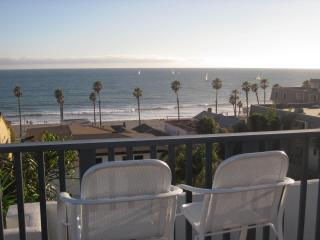 Newly Renovated 2 Bed 2 Bath Condo 1 Blk to Beach - Oceanside vacation rentals