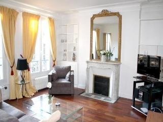 Nice 3BR close Madeleine Place Rue Surene apt1017 - Paris vacation rentals