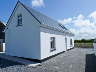 MOYASTA HOUSE next to coast, multi-fuel stove, peaceful location in Kilkee, County Clare Ref 16779 - County Clare vacation rentals