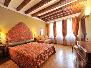 ALL'OROLOGIO SAN MARCO SQUARE - Venice vacation rentals