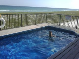 6 BD 6 bath, A true gulf front and a balcony pool - Navarre vacation rentals