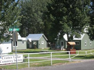 Nice House with Internet Access and Garden - Crater Lake vacation rentals
